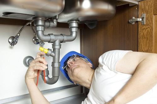 Hiring Emergency Plumbing Services