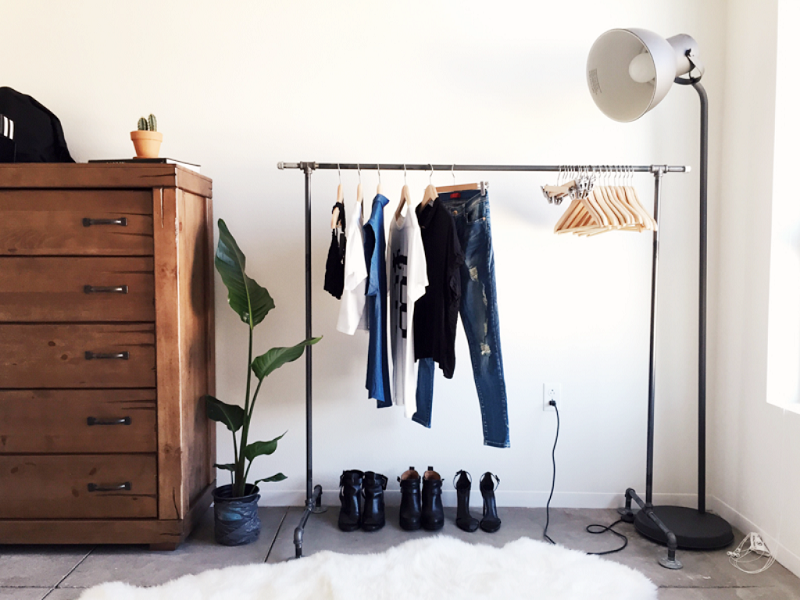 Small dressing room: practical storage solutions